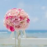 沖縄リゾートウェディング ブーケは生花・造花どちらがおすすめ?